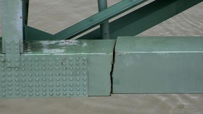 Interstate 40 Bridge Closed