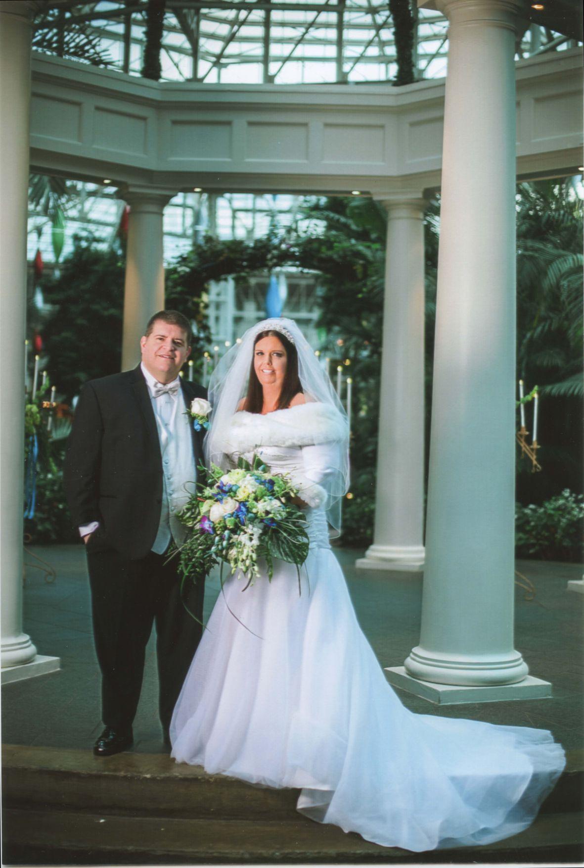 McElroy weds Ranney in Opryland Hotel ceremony | Bridal | parispi.net
