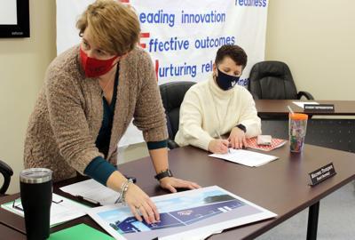 School board deliberates on turf project