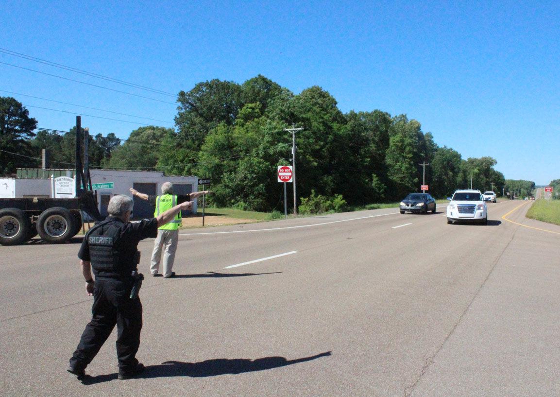 PARIS TN: Deputies respond to shooting on lake highway