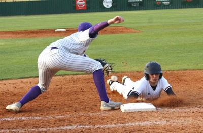 Wildcats deal Pats second straight loss in district play