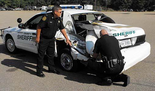 Paris TN: Henry County Sheriffs Department patrol car hit by