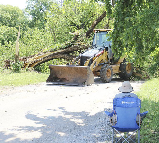 Strong storm targets PV area Entire town loses power, heavy tree damage