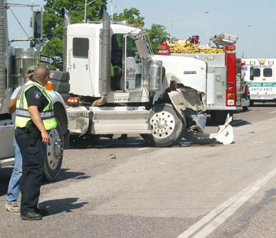 Breaking News: Wreck at I-35 and SH 19 | Local News