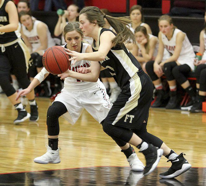 Late run lifts Stratford to win