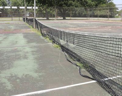 A little love for local tennis courts