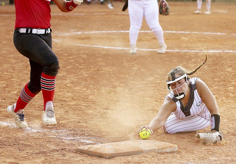 Errors cost Lady Panthers against Plainview