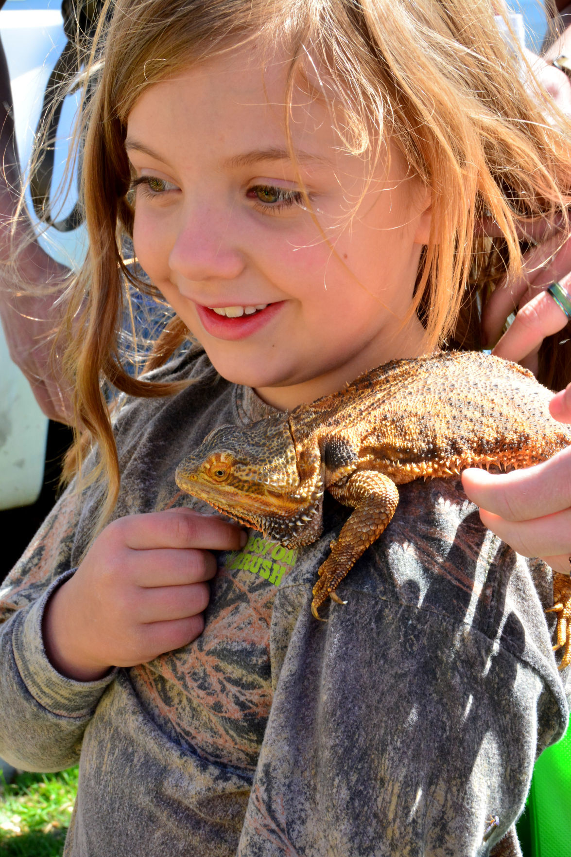 Wildlife fair introduces kids to things that go bump in the