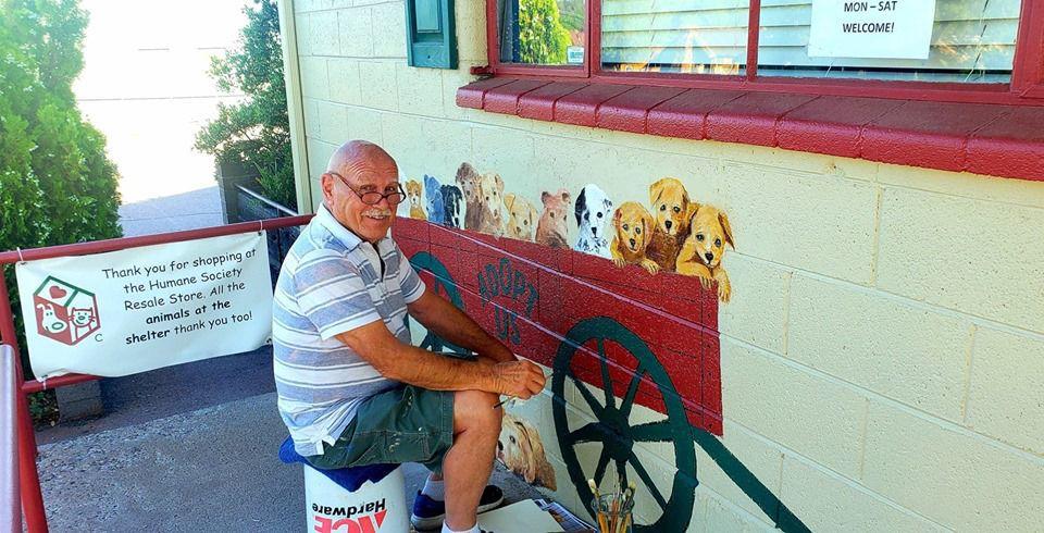 Tom Arndt HSCAZ Resale Store Mural