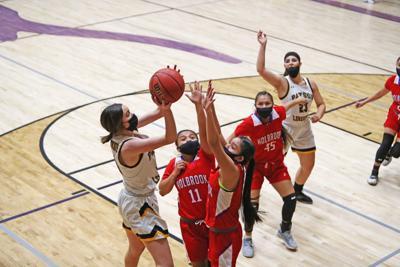Girls Basketball v Holbrook 2021 Shot