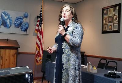 Patty Wisner speaks to Payson Tea Party
