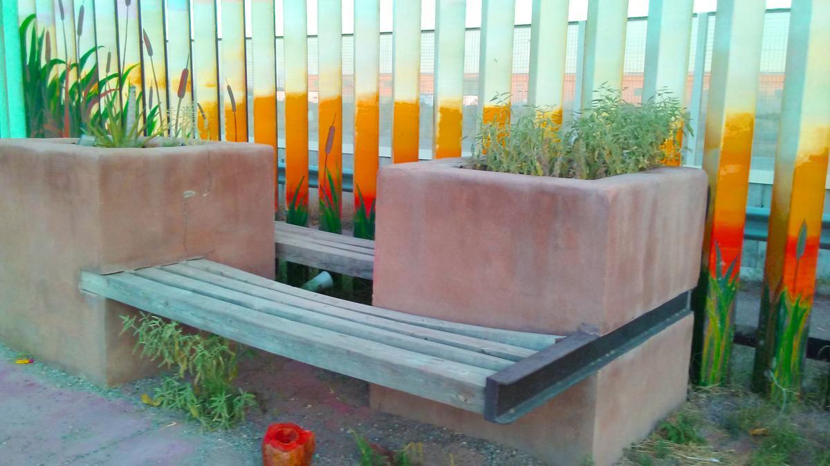 Phenomenal Bench As Part Of Border Wall Lisa Tan Paysonroundup Com Spiritservingveterans Wood Chair Design Ideas Spiritservingveteransorg