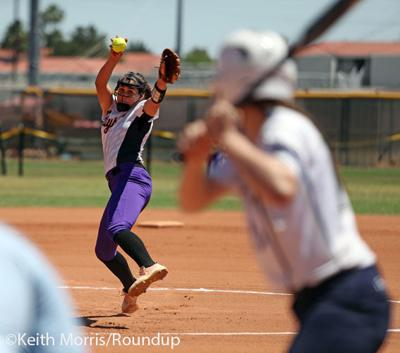 Softball Raci Miranda Pitching Vs Pusch Ridge