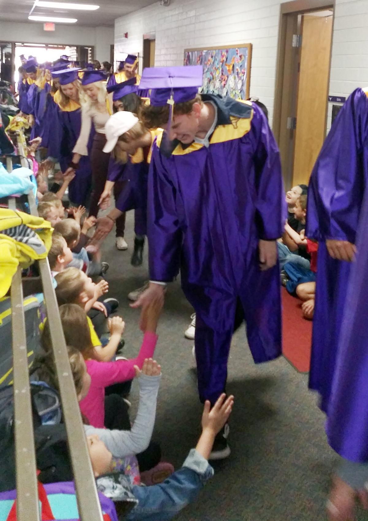 Payson PHS graduates at Payson Elementary School PES