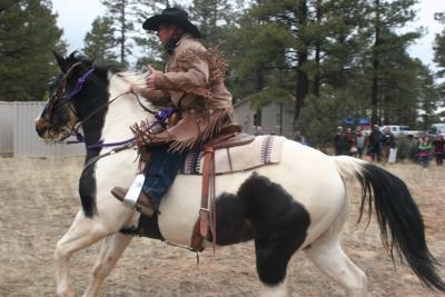 Hashknife Pony Express rider gives thumbs up