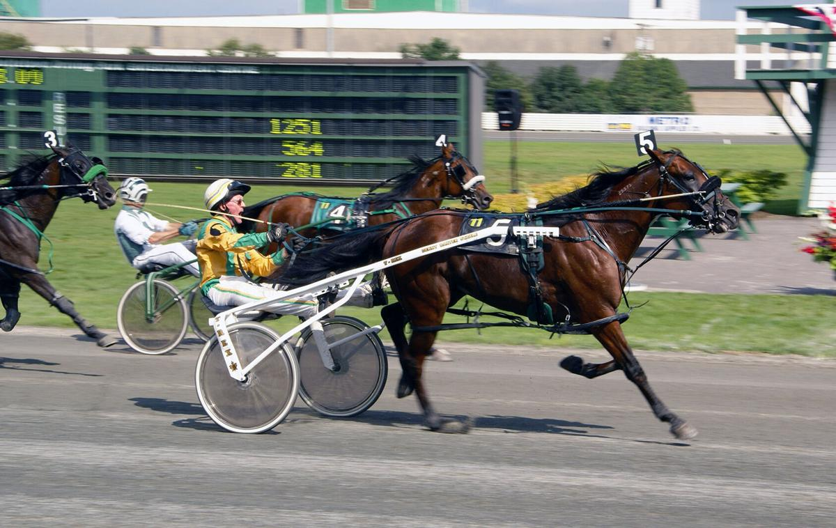 Driver Dennis Baxter and Samspace winning at Charlottetown during 2008 Old Home Week.