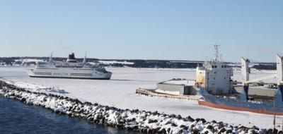 Magdalen Islands ferry stuck - most ice in two decades