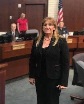 Denette Dunn announces candidacy for council