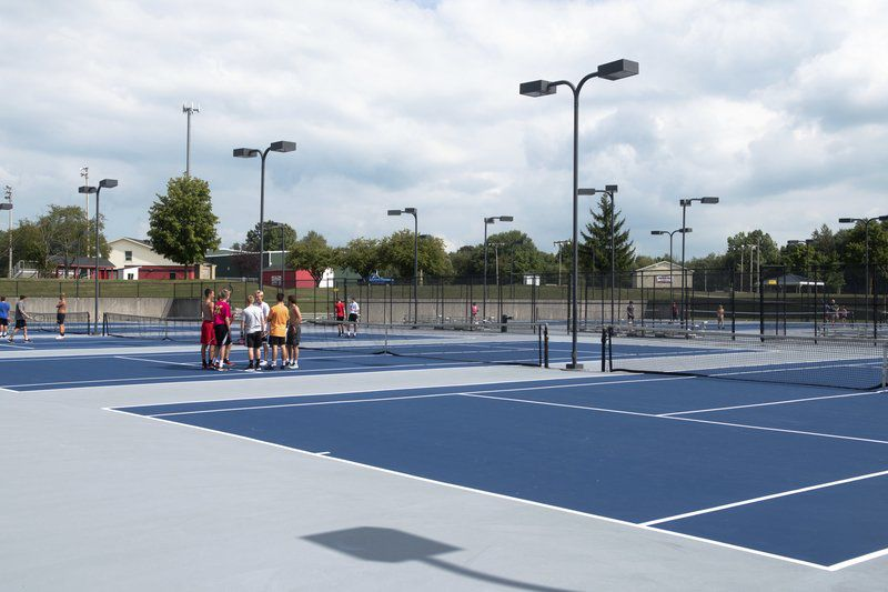 BOYS TENNIS PREVIEW: Logansport has new-look team for new-look courts