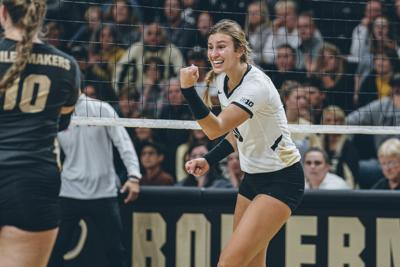 Purdue volley