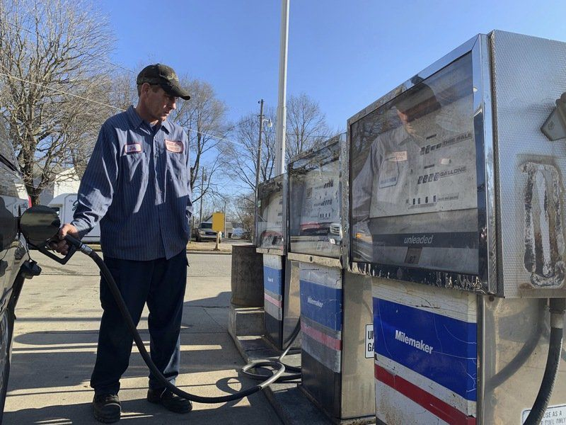 Logansport garage owner prepares to hand business on to longtime employee