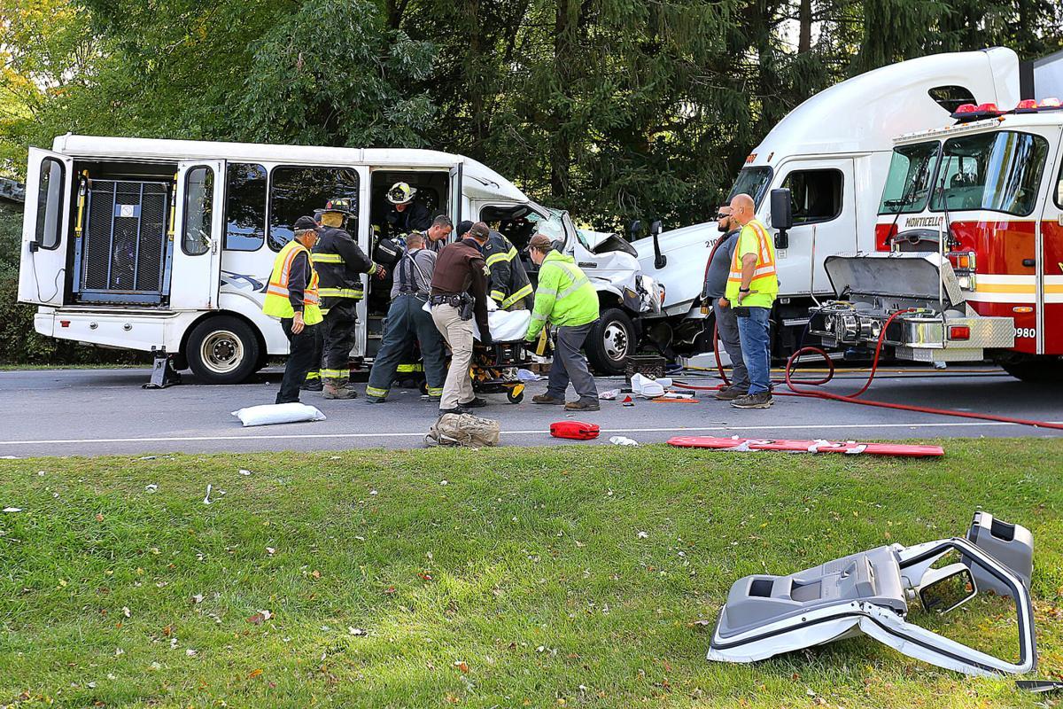 Bus And Semi Accident Kills 1 Injures 3 Others Local News Pharostribune Com