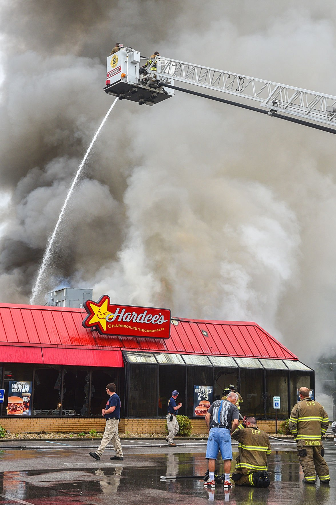 Fire destroys Hardee's