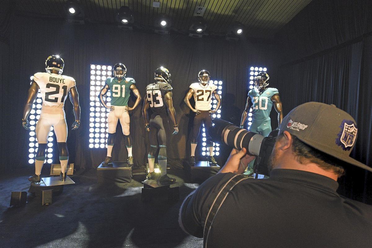 premium selection 85dbe b90c6 Jaguars unveil 'no-nonsense' uniforms, helmets for 2018 ...