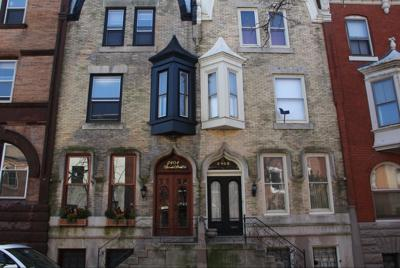 Rowhouses or Rowhomes