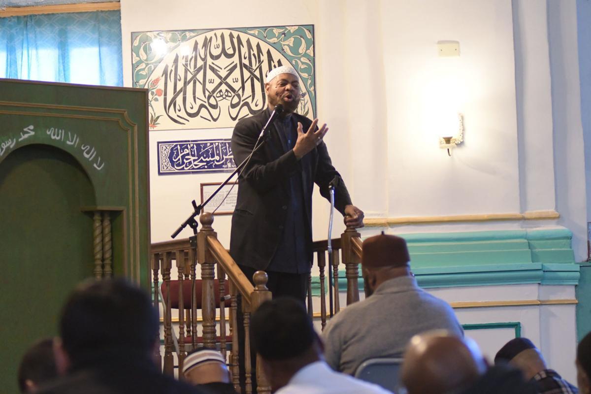 Imam Kenneth Nuriddin address the gathering. — PHOTOS BY ABDUL R. SULAYMAN/TRIBUNE CHIEF PHOTOGRAPHER