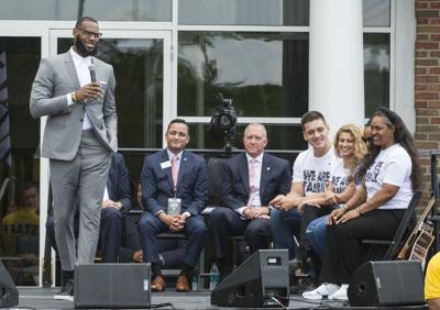 31b5e0eb5e39 LA-bound LeBron opens school in Akron as part of legacy ...