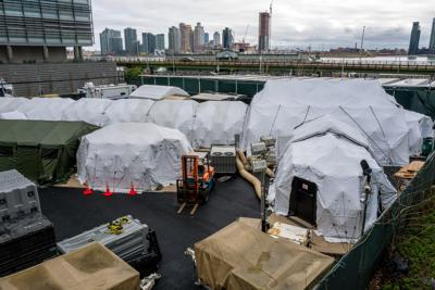 New York Considers Mass Grave in Park for Virus Victims