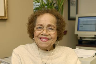 Pauline I  Andrews, 90, executive secretary for The Tribune