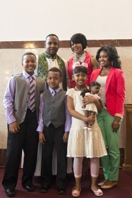 Accent on youth draws young families to worship