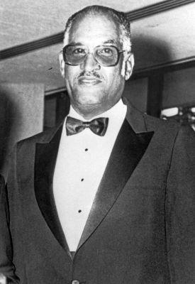 Legendary hoops player Frank Washington honored