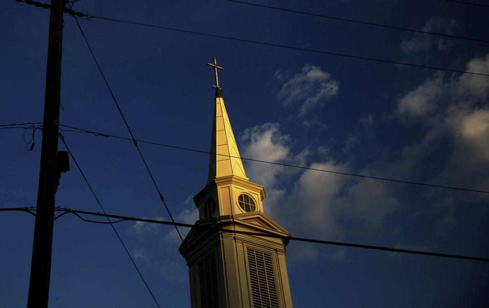 Less than half of Americans are members of houses of worship