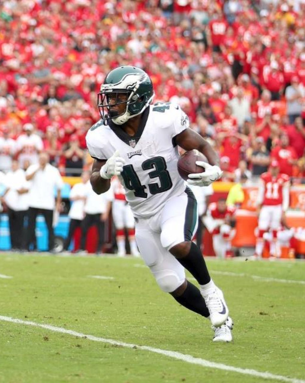 Darren Sproles With Torn ACL And Broken Arm