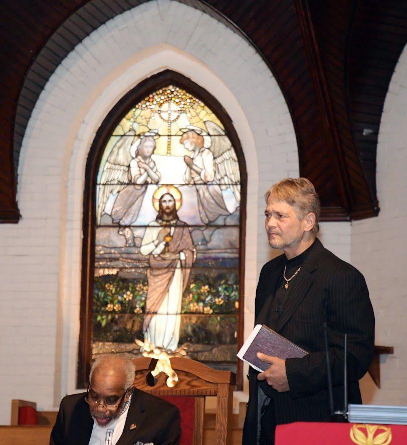 Pastor Luden Centeno of Jerusalem, right, visited New Temple Baptist Church on Sunday.