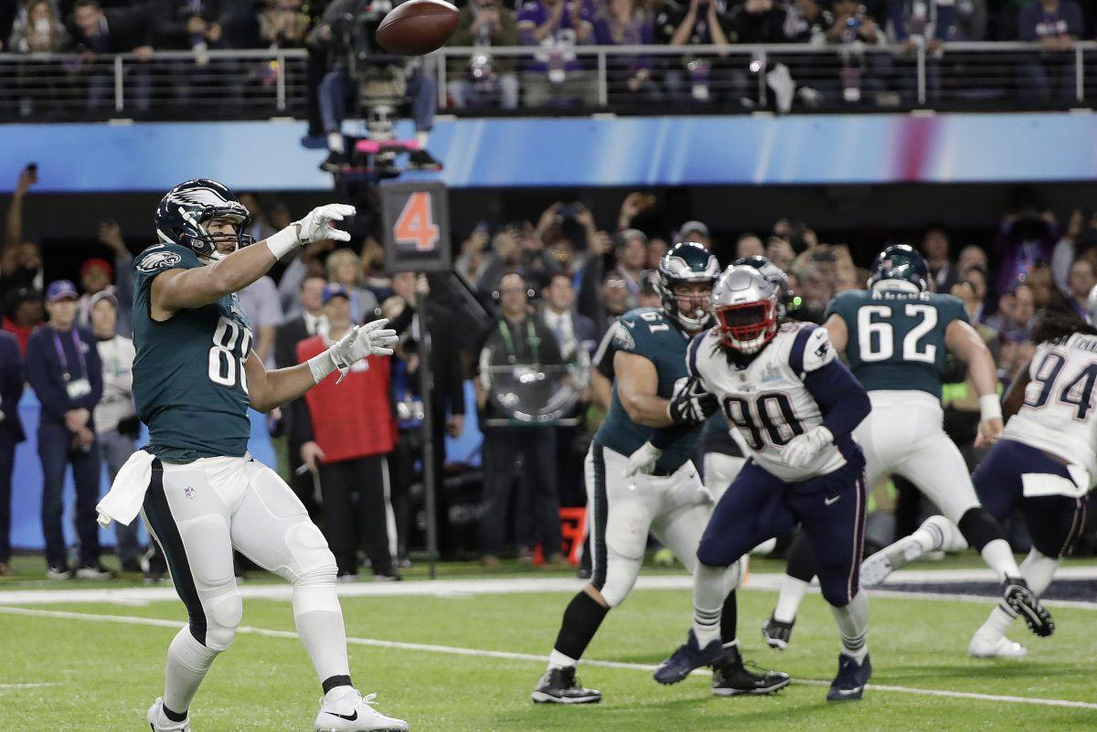 Ex Eagle Trey Burton To Sign With The Chicago Bears