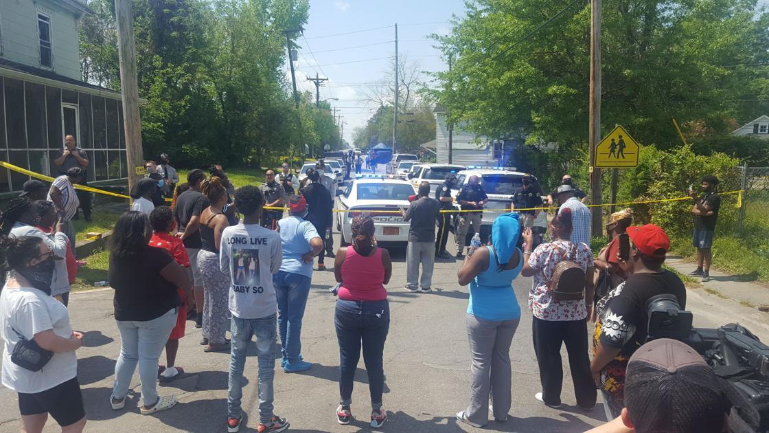 Sheriff: Deputy fatally shot Black man while serving warrant thumbnail