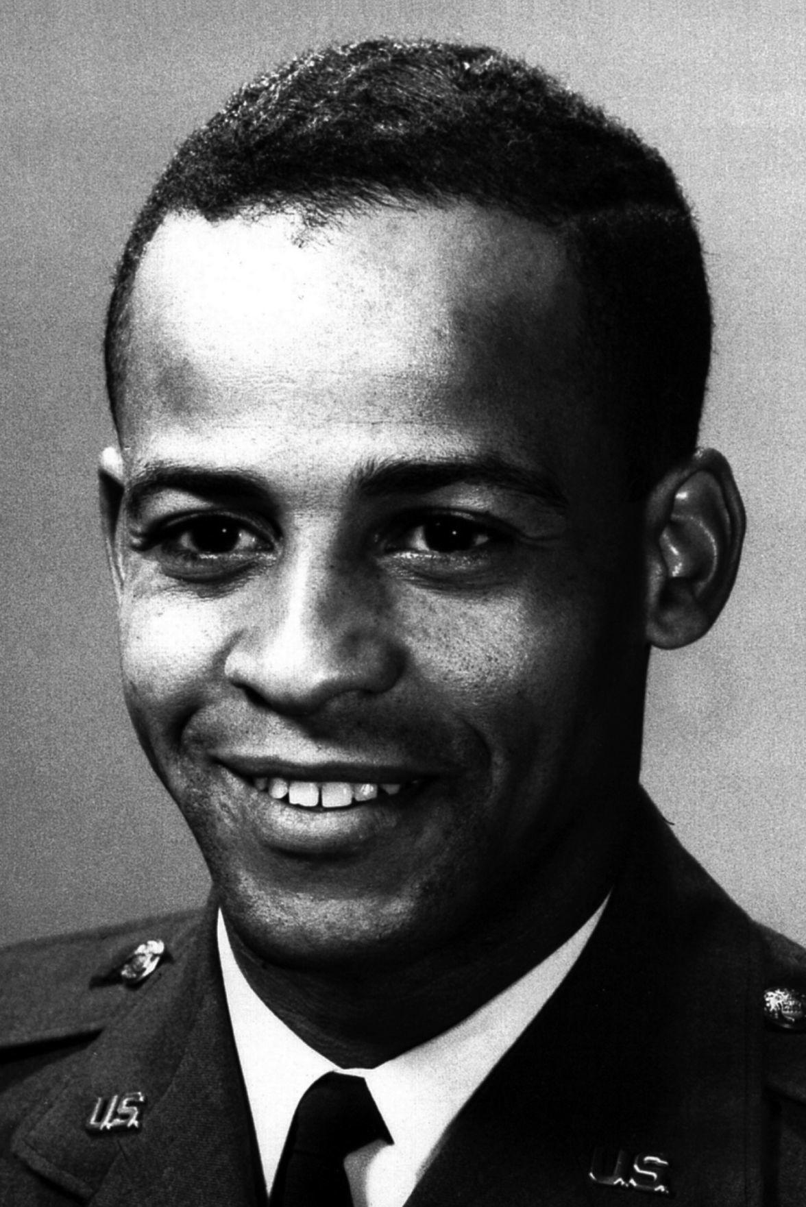 Ed Dwight, U.S. Air Force portrait