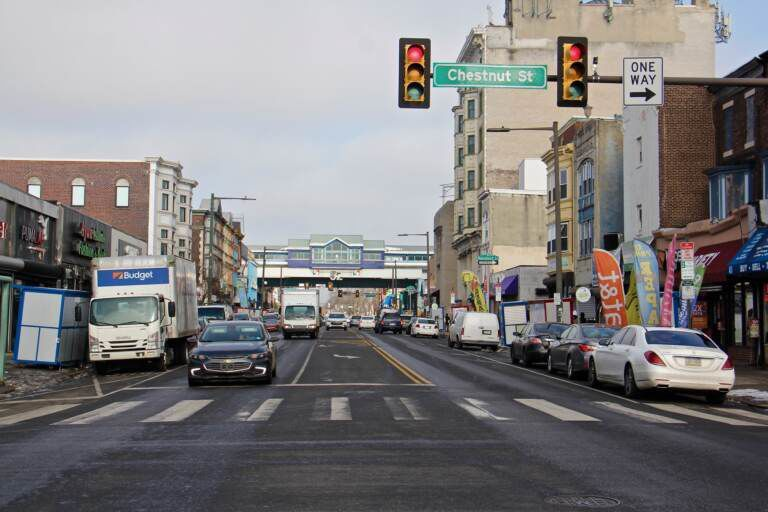 2020 12 22-e lee-philadelphia 52nd street-businesses struggle view to el