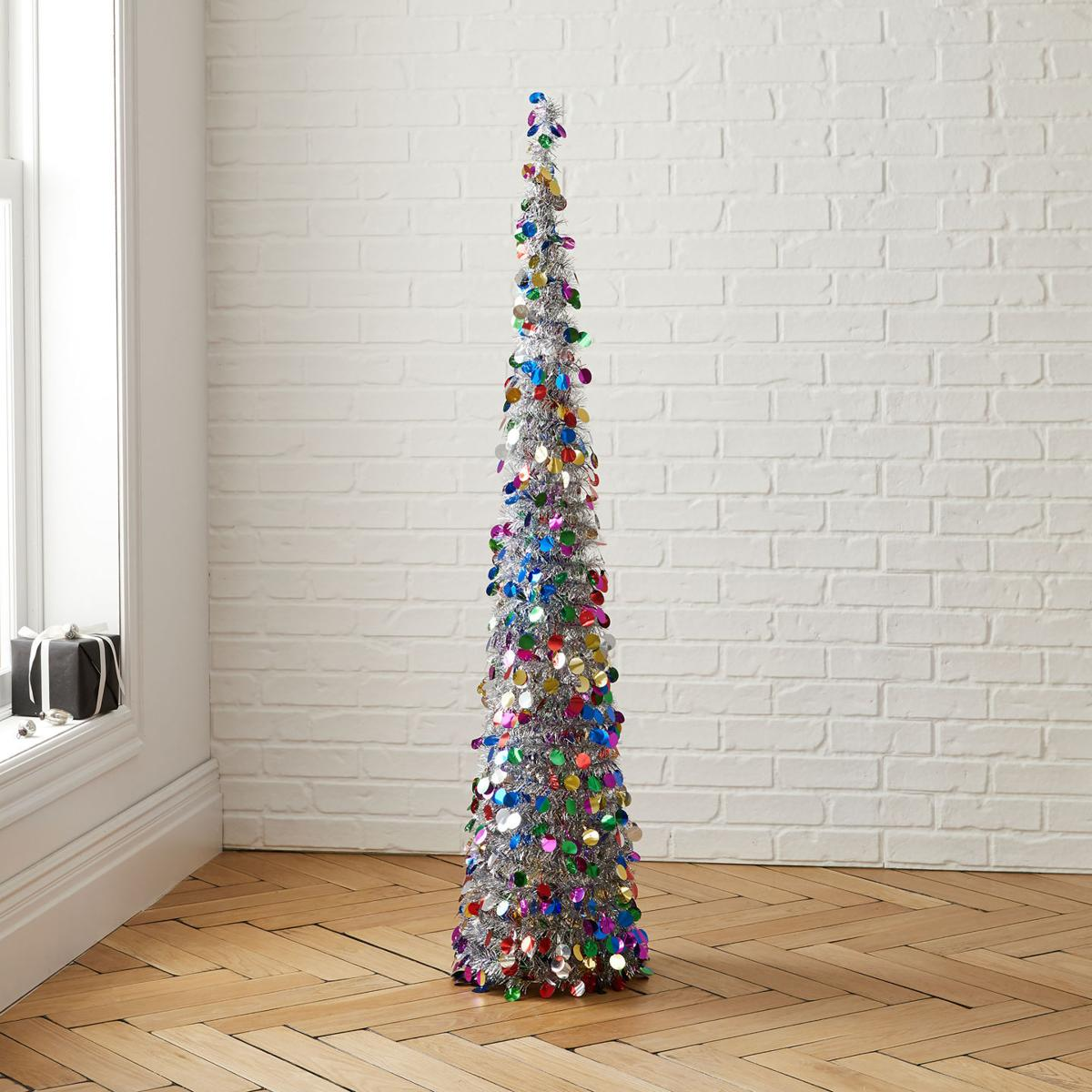 Glam holiday décor that gets the party started