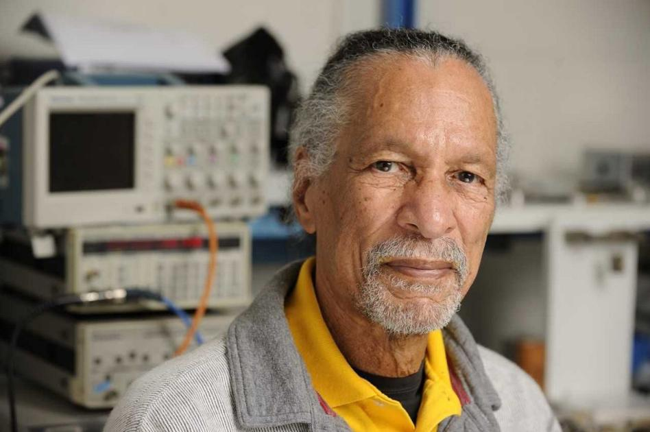 Temple-educated physicist to be first African American to receive John Scott Award