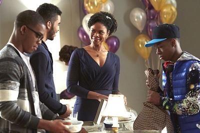 Kimberly Elise delivers again in 'Apple Mortgage Cake'