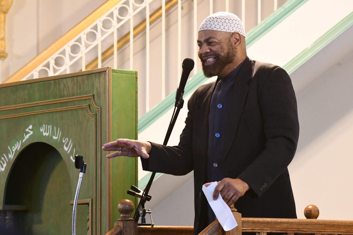"""Imam Kenneth Nuriddin sermon was """"Signs and symptoms of community life."""""""