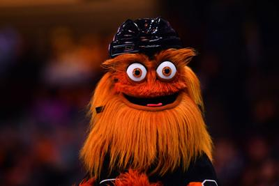 Philadelphia Police Investigate Claim That Flyers Mascot Gritty Punched A Teenage Fan In The Back Local News Phillytrib Com