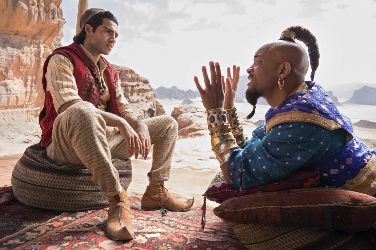 Aladdin - Will Smith, Mena Massoud - tops
