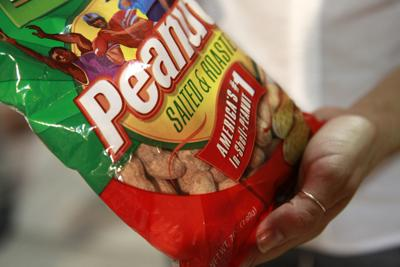 Health experts back treatment for kids with peanut allergy