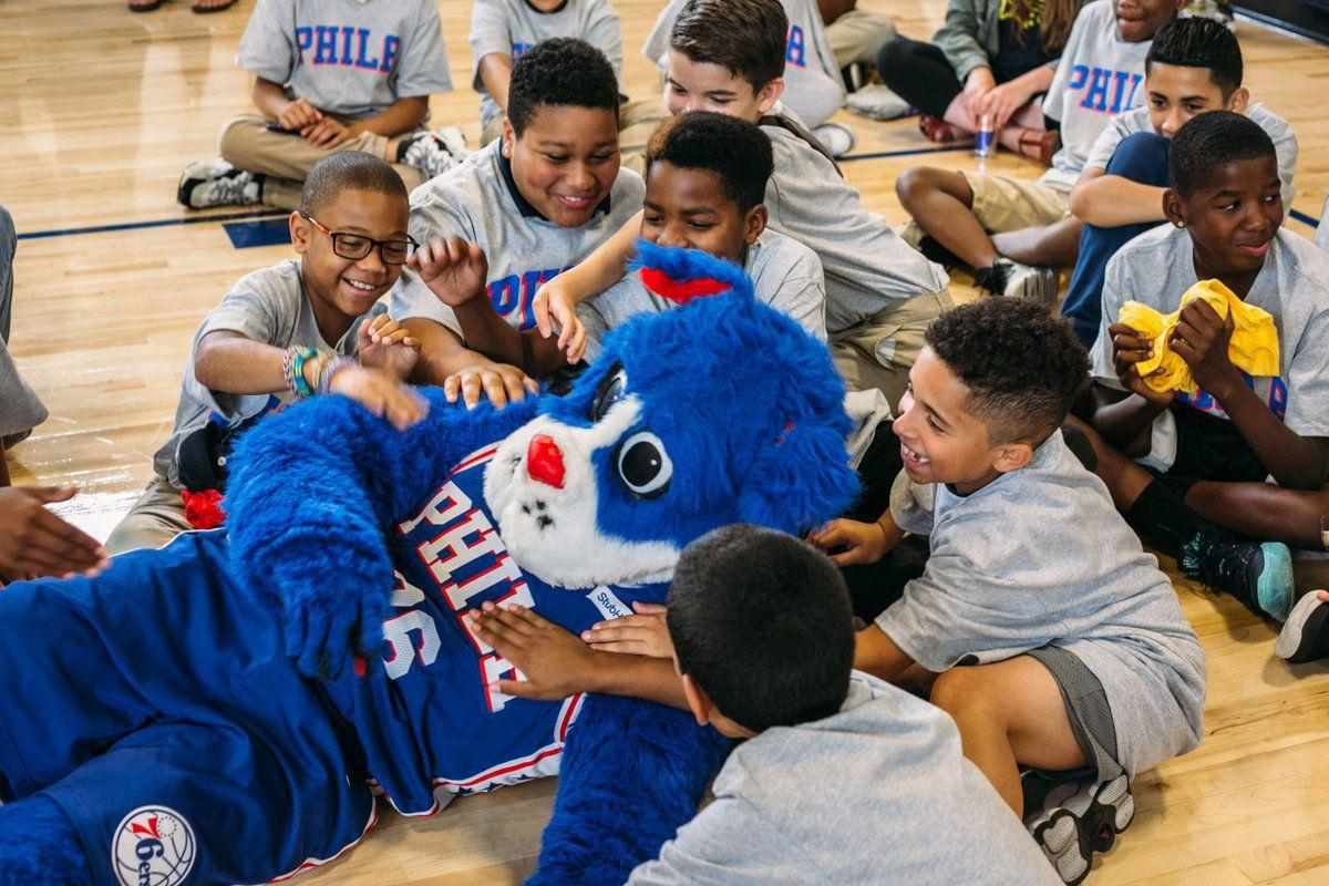 Sixers, Honda revitalized Philly school for day of service